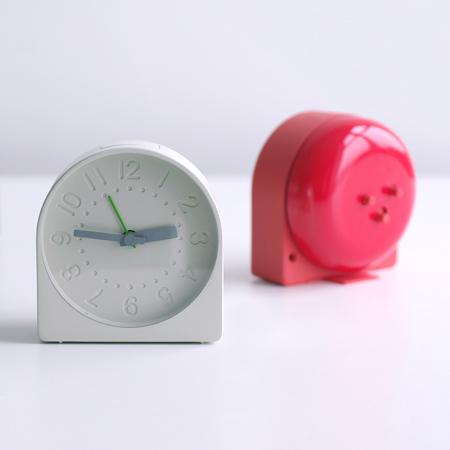 Bell_alarm_clock06