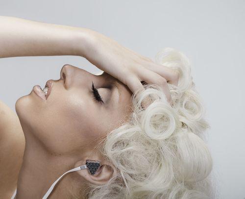 Gaga_headphones